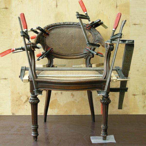 Möbelrestaurierung-Fontanesessel 19. Jahrhundert_Arbeit vorne