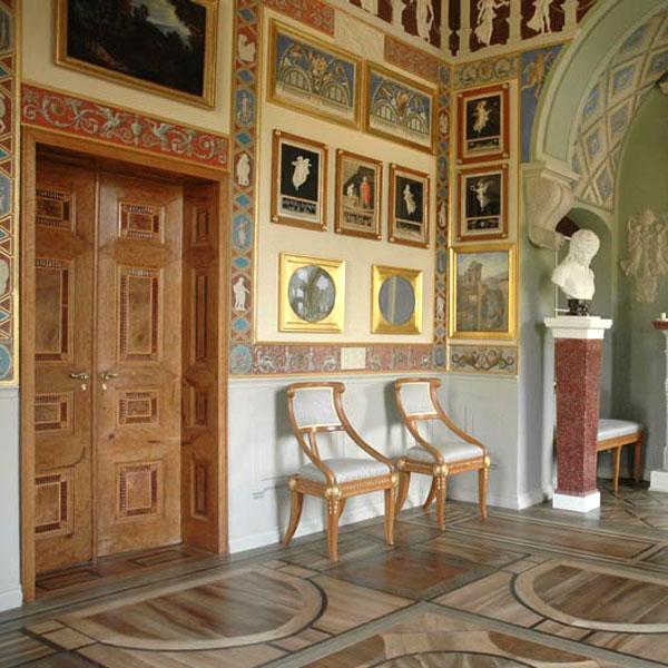 Intarsien-Doppeltüren der Villa Hamilton 1793_Seite
