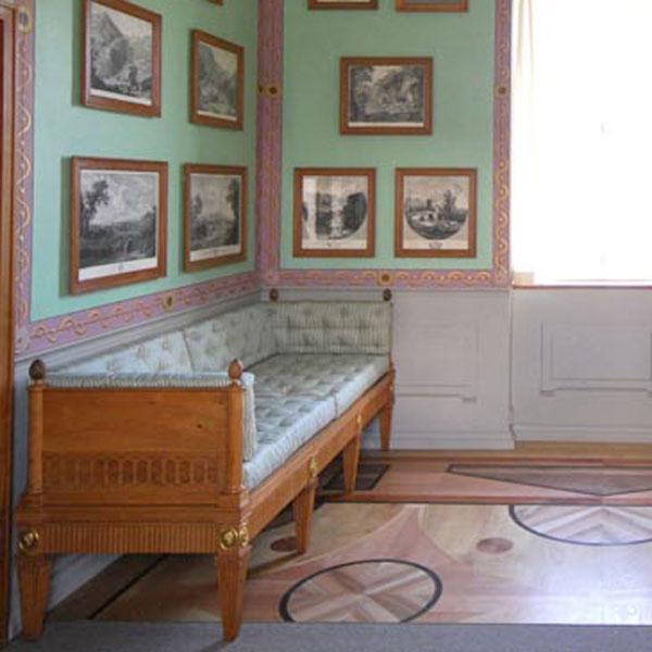 Möbel der Villa Hamilton um 1800_Raum