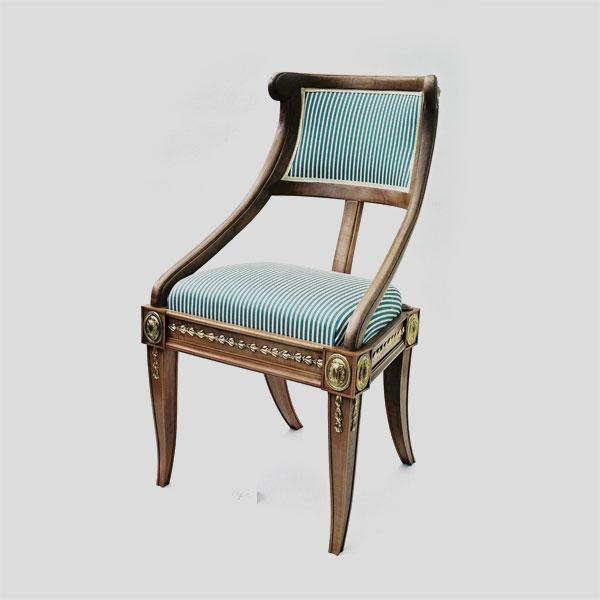 Restaurierung-Möbel der Villa Hamilton um 1800_Stuhl fertig