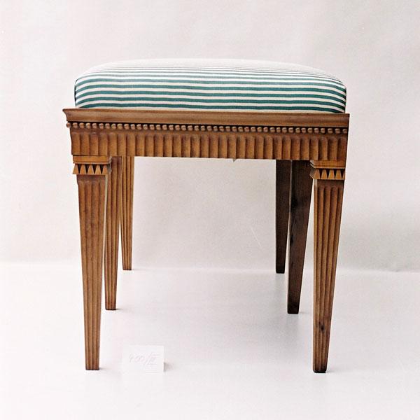 Möbel der Villa Hamilton um 1800_Hocker