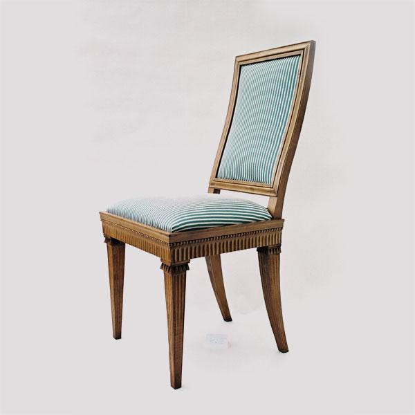 Restaurierung-Möbel der Villa Hamilton um 1800_Stuhl fertig klein