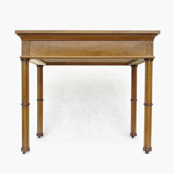 Möbelrestaurierung-Tisch, Originalbestand Gotisches Haus um 1800_fertig vorne alles