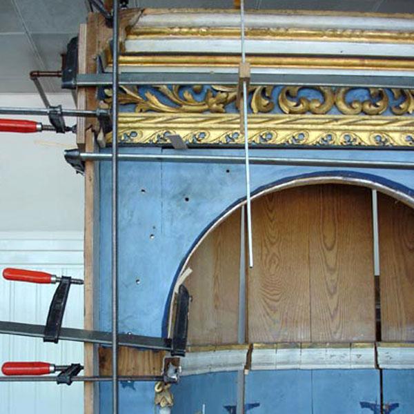 Restaurierung-Barocknischen / Ledertapetensaal Schloss Oranienbaum_Arbeit