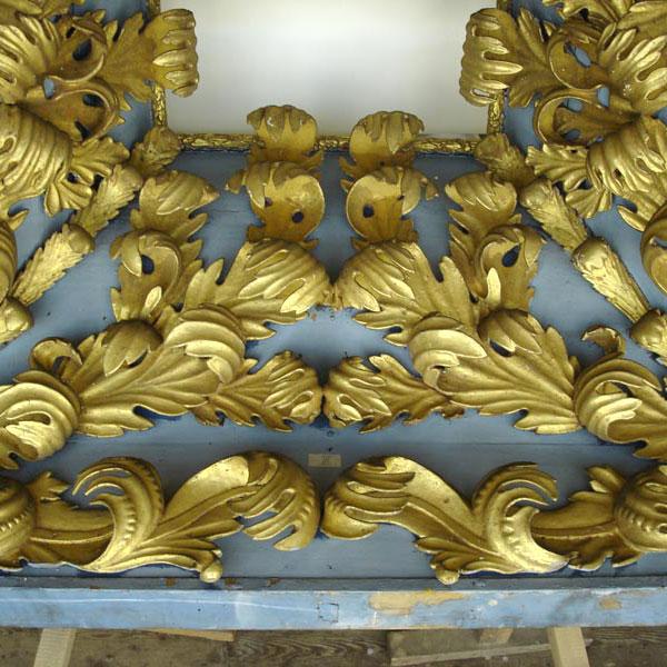 Restaurierung-Barocknischen / Ledertapetensaal Schloss Oranienbaum_Deteil Gold