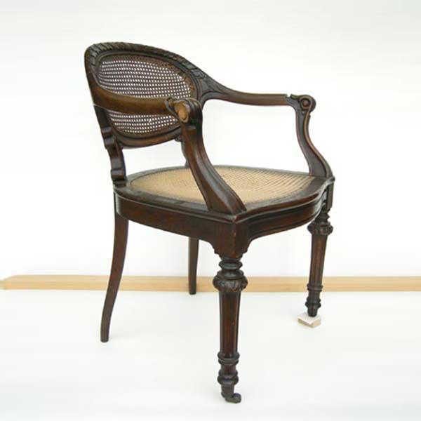 Möbelrestaurierung-Fontanesessel 19. Jahrhundert_Vorzustand