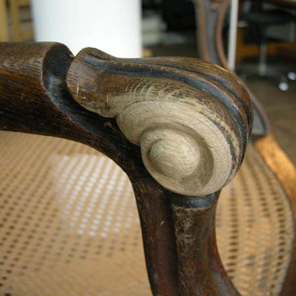 Möbelrestaurierung-Fontanesessel 19. Jahrhundert_Deteil Arbeit