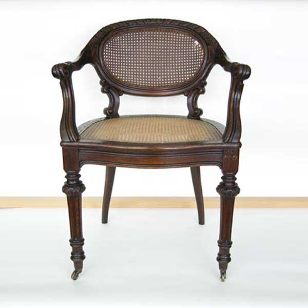 Möbelrestaurierung-Fontanesessel 19. Jahrhundert_Vorne